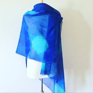 Wrap/scarf. Blue/green. Large lightweight. Lovely